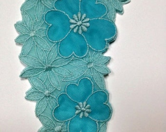 vintage blue dress collar embroidered daisy flower  sewing embellishment small collar or embroidered decoration  lace
