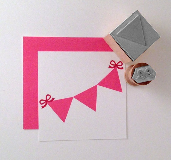 Mini Pennant Bunting with Bow Rubber Stamp Set