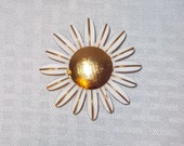 CLEARANCE 1970's Vintage Daisy Perfume Holder Brooch or Pin by Avon