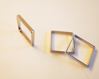 10 pieces of raw brass tube in square shape 3d cube 20x20x2.5 mm with 2 holes plated in steel color