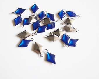 50 pcs of diamond shape hand cast poly resin drop in clear blue on steel tone plating brass base 12.5x7.5 mm