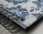 Quilt Journal - Memory Book - Quilt Notebook - Quilter's Journal  - Quilt Story - Quilting Journal - Quilter's Gift - Vintage Blue Floral
