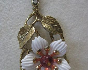 Flower Pink White Gold Necklace Vintage Pendant