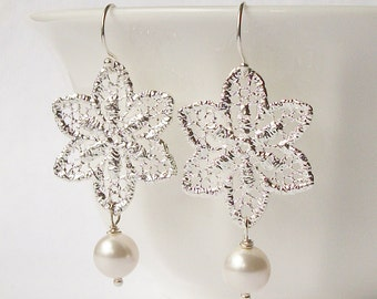 Star Lace White Pearl Dangle Earrings