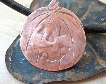 Spooky Halloween Jewelry. Rustic Copper Pumpkin Brooch. Metal Jack O Lantern Pin. Autumn Trends October Trending Jewelry. Funky Fall Fashion