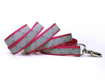 pink and gray lace doily leash (1 inch)