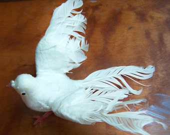 Vintage Spun Cotton Millinery Bird , White Dove poseable wings ,wired plastic feet , real feathers , BIRD 7