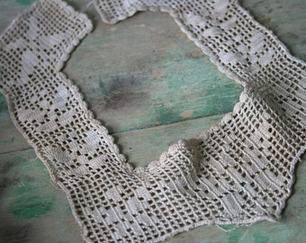 Antique / Vintage Lace COLLAR, Neckline for Child or Doll