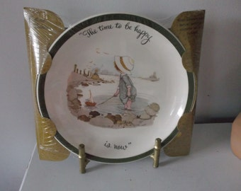 Hollie Hobby Plate  The Time to be happy is now  1972  MIB
