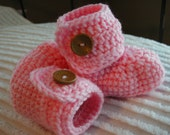 Crochet Baby Button Boots Booties 0-3 months