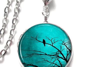 Picture Pendant Turquoise Sky with Black Bird in Tree Art Pendant Resin Pendant Photo Pendant Glass Pendant (0050)