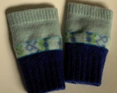 Fingerless gloves- children's 6-8 years- recycled wool