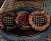 Primitive Grungy Flower Ornies--Bowl Fillers---Homespun--Set of THREE