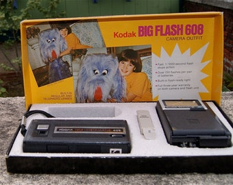 Kodak Big Flash 608 Camera Outfit  110 Film Tele'Instamatic  Made in USA
