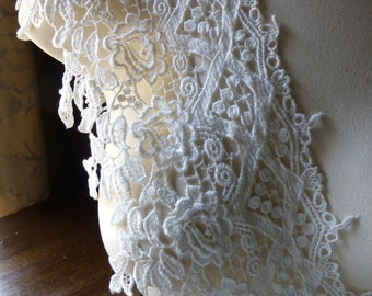 """REMNANT 1 yd, 27"""" Venise Lace in IVORY for Bridal, Couture, Garments CL 6053iv"""