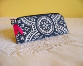 PEN & PENCIL Pouch Small zipper pouch in  Charcoal Grey Damask with Hot pink accents