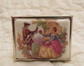 Vintage Pill Box with design on Top new vintage stock SALE
