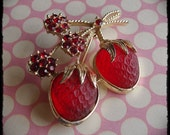 Strawberry Glow Sarah Cov Vintage Lucite Brooch