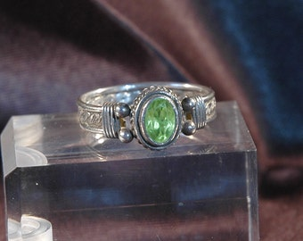 Sterling Peridot Ring, August Birthstone, Glowing Green Oval Gemstone, Wire Wrapped w/Bezel Setting, Sz 8.75, Excellent Condition