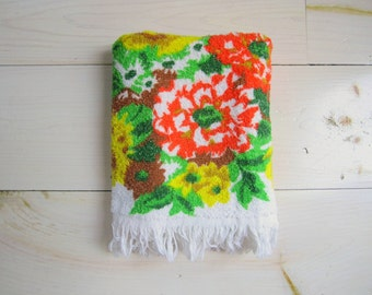 Vintage Bath Towel . Mod Floral Print . Yellow . Orange . Brown . Green
