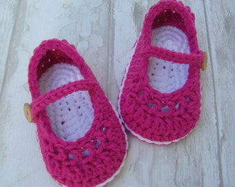 Baby shoes, crochet booties little mary jane dark fucshia pink and white size 3/6 months with gift box ready to ship