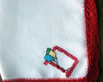 """Vtg Child's Hand Embroidered """"D"""" Monogram  in Bright Red on White Handkerchief/Hanky. 3 Balloons"""