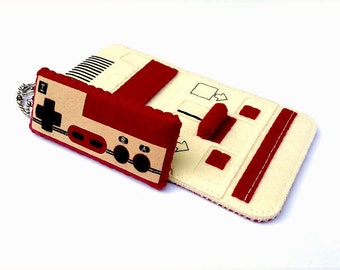 iPhone/Samsung Galaxy/iTouch: Famicom Felt Case