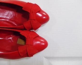Vintage RED BOW Heels - 80s Cherry Kitten Heels - Size 7AA
