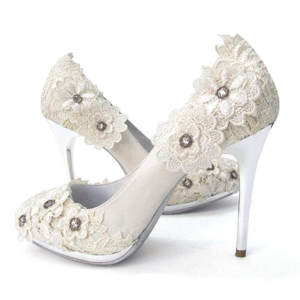 SALE Ivory Vintage Lace Wedding Shoes With Crochet Flower