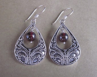 Balinese sterling silver Garnet Dangle earrings / silver 925 / Bali handmade jewelry / 1.75 inch long / (#189K)