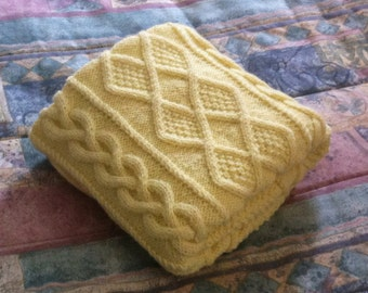 Chunky hand knit baby blanket, Pastel Yellow 28x36