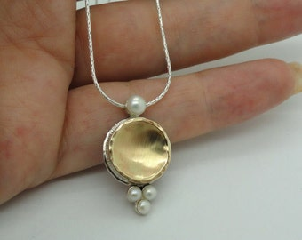 New Brushed 9k yellow Gold and 925 sterling Silver pearls Pendant (I n1112)