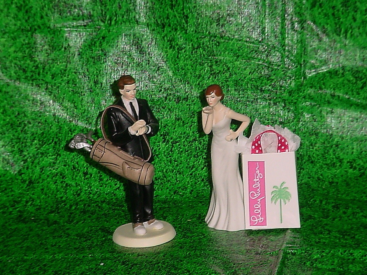 golf wedding cake toppers ireland golf lover groom and blowing kisses with weddings 14851