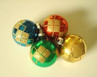 Vintage Shiny Brite ornament set, preppy argyle glitter design, Christmas tree ornaments, 4 hand painted glass ornaments, holiday decor