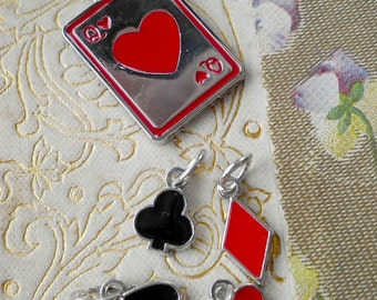 NEW  Set of 5 Pendant Charms Alice In Wonderland Queen of Hearts and 4 Little Suits Poker Cards