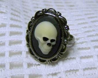 Skull Ring - Mr. Bones Ivory Black Zombie Pirate Anatomical Skull Ring - Gunmetal - Antiqued Silver Adjustable Ring - Gothic Halloween