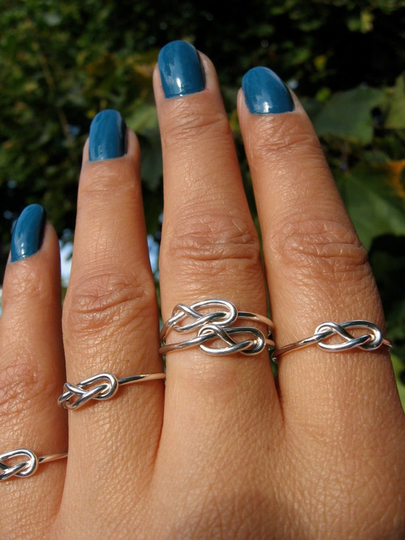 Love Knot Infinity  Rings/ set of four (4) / Best Friends/ Mother Sister/ Promise Tie the Knot Ring/ Bridesmaids Rings
