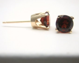 Garnet 14K Gold Stud Earrings - Solid 14K Gold - Gold Earrings - 3 mm 4 mm 5 mm - Post Earrings - Garnet Earrings - Birthstone Earrings