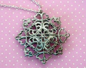 Baroque Vintage Necklace - Silver color - Lace Lacey Metal Pendant