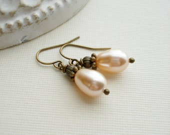 Peach Swarovski Pearl Earrings. Peach Pearl Earrings, Drop Pearl Earrings, Antique Brass, Vintage Style