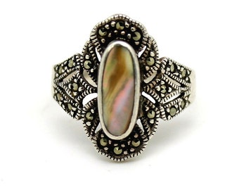 Beautiful Art Deco Abalone Mother of Pearl Marcasite Sterling Silver Art Deco Vintage Ring