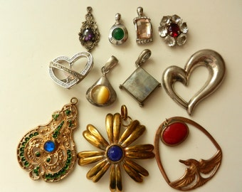 Fantastic and rare mix of charms / pendants - Vintage Italian 1950/1960 -925 sterling silver and real stones-11 pieces--art.450-