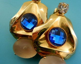 Beautiful & Showy Vintage 1970s original italian crystal long earrings--crystals and frosted glass cabochon--Art.375/3--