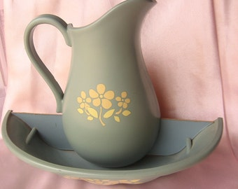 Vintage Pitcher with Bowl Wall Decor Plaque/Wall Pocket