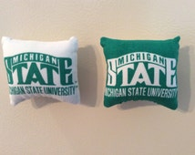 Michigan State University Spartans Pillow Magnet