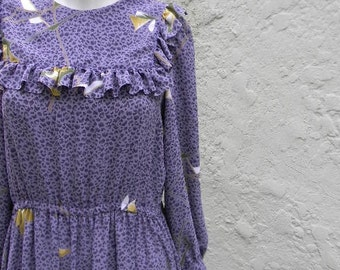 vintage.70s Purple Flowy Dress / S to M