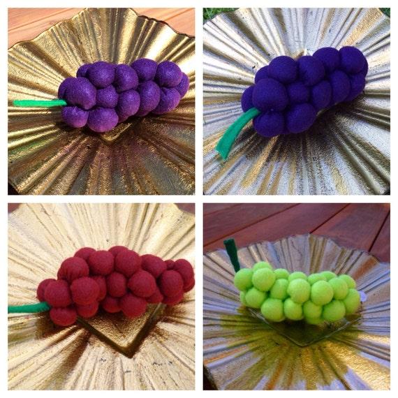 Felt Grapes - Bunch of Felt Grapes - Red Felt Grapes - Blue Felt Grapes - Green Felt Grapes, Childrens Pretend Play Food  - Home Decor