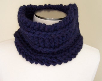 Midnight Blue Chunky Knit Merino Wool Cowl, Big Knit Neckwarmer in Deep Blue Merino Wool, Thick Knit Cowl in Navy Blue, Winter Trends