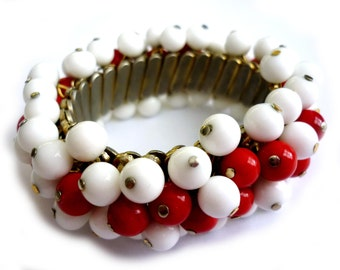 1950s Expandable Glass Ball Bracelet - Beaded Cha Cha Bracelet Red and White Milk Glass Bead Balls - Made in Japan - Mid Century Elasticized