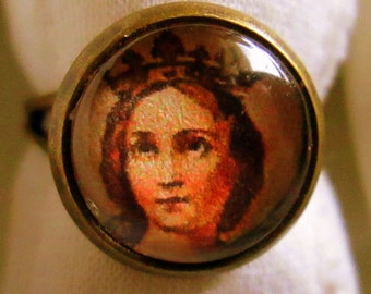 CLEARANCE Queen Petite 12 mm Glass Cameo Ring on Silver Adjustable Setting